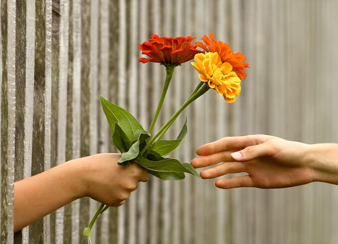 hand-flower