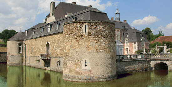 Le Chateau d Etoges