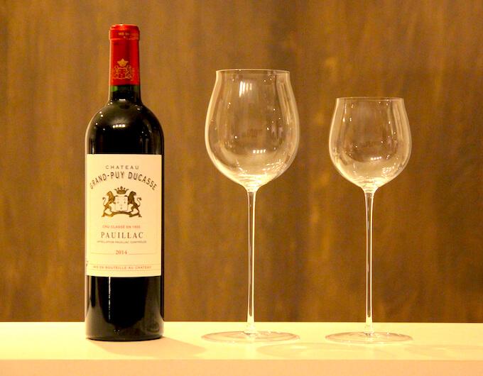 ロブマイヤー・バレリーナワイングラスとワインボトル