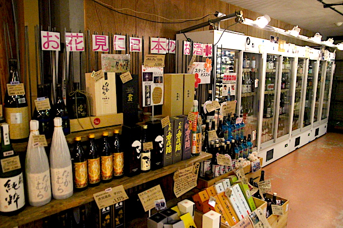 タカムラの店内日本酒コーナー