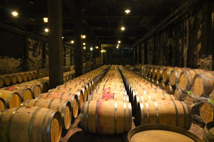 ワインセラーの樽熟庫