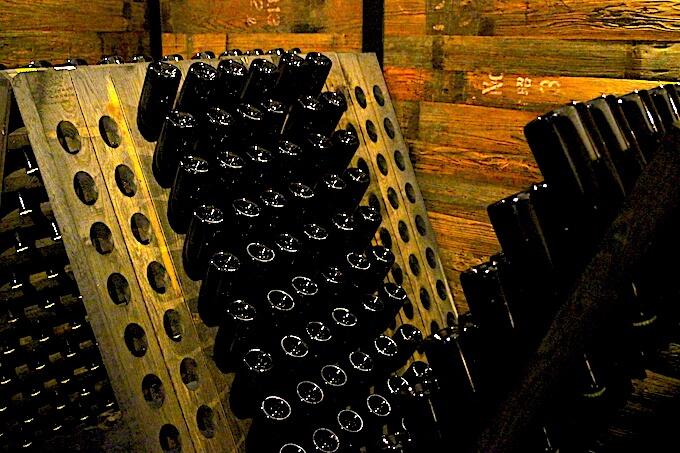 河内ワインの瓶内二次発酵スパークリングワイン