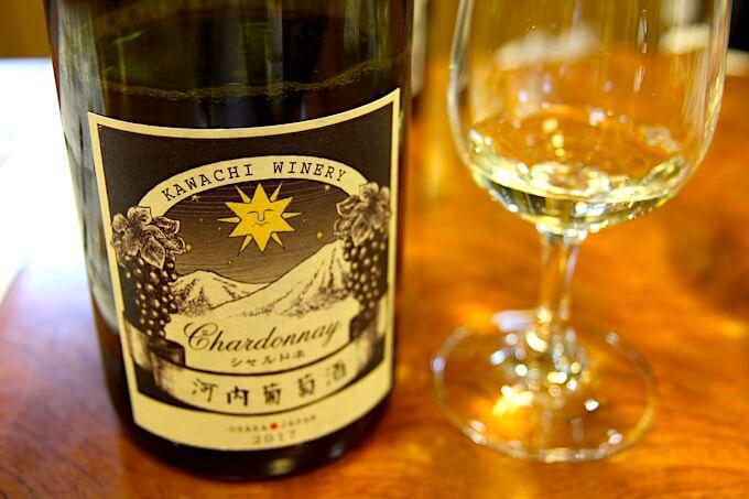 河内ワインの白ワインシャルドネ
