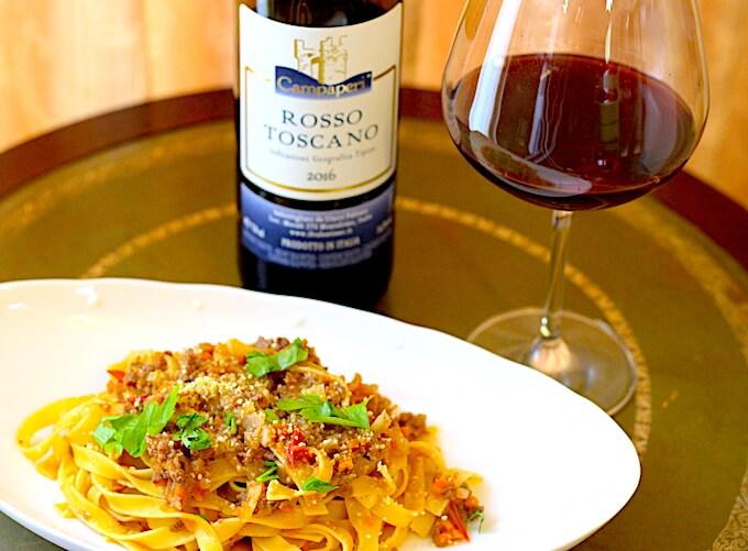 ボロネーゼパスタとイタリア赤ワイン