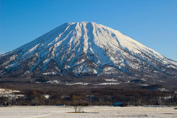 羊蹄山の雪景色-北海道