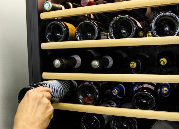棚間が狭いワインセラー
